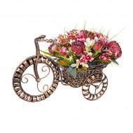 Композиция Велосипед с садовыми цветами