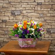 Композиция Тюльпаны в вазе 78х50 см
