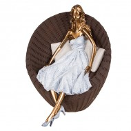 Статуэтка Девушка в кресле 24х24х21 см