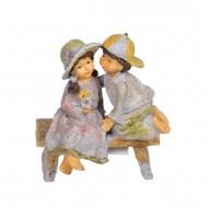 Статуэтка Мальчик с девочкой 14х12х8 см