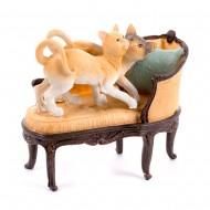 Статуэтка Кошки на кресле 17х16 см